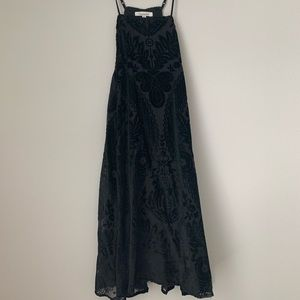 Velvet a-line dress with floral embroidering